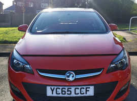 Vauxhall Astra, 2015 (65) Red Hatchback, Manual Petrol, 31,376 miles