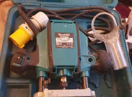 MAKITA ROUTER RPO900 110V