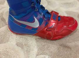 Nike hyper kos size 4