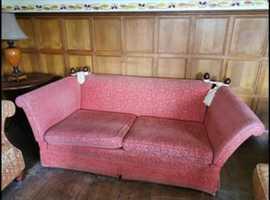 Free drop arm sofa