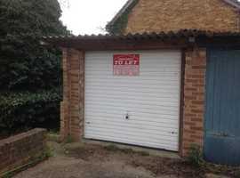 £75 pcm Secure Dry Garage Methersgate, Basildon, Essex = Quarterly Contract