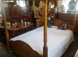 Ducal pine 5' king size four poster bed with  Mattress