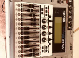 Roland Boss BR1600 recording studio