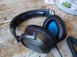 Sennheiser HD 7 DJ Over-Ear Headphones