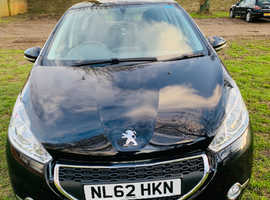 Peugeot 208, 2012 (62) Black Hatchback, Manual Petrol, 46,357 miles
