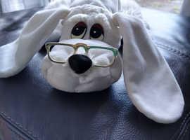 Vintage White pound puppy 1984