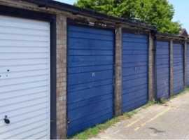 Lock up garage ~ Archers Way ~ Galleywood ~ CM2 ~ Chelmsford  ~ Fabulous Location !