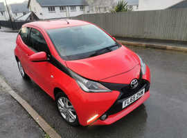 Toyota Aygo, 2015 (65) Red Hatchback, Manual Petrol, 43,964 miles