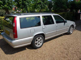 Volvo V70, 2006 (06) Silver Estate, Manual Diesel, 170,000 miles