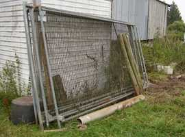 FENCING BARRIERS
