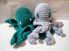 (Free postage and gift wrapping) Crochet octopus, handmade, different sizes, many colours available