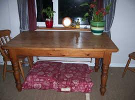 Farmhouse Pine Table.