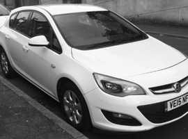Vauxhall Astra, 2015 (15) White Hatchback, Manual Diesel, 43,000 miles