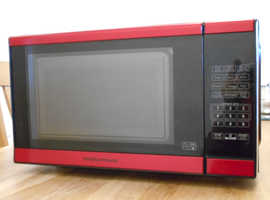 IMMACULATE AND STYLISH MICROWAVE