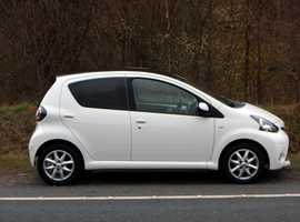 Toyota Aygo, 2014 (14) White Hatchback, Manual Petrol, 32,000 miles, (01443) 831670