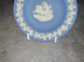 Small Wedgewood plate with stand