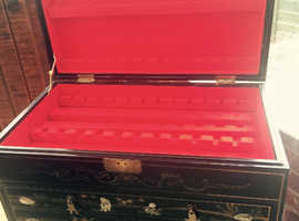 Chinese cutlery chest