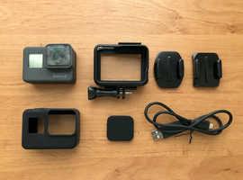 GoPro Hero 5 Black (4K) + accessories