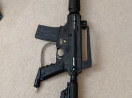 Tippmann US Army Alpha Black  68 paintball gun