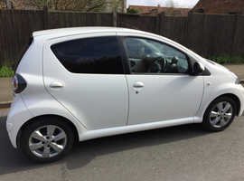 Toyota Aygo, 2013 (13) White Hatchback, Manual Petrol, 41,000 miles