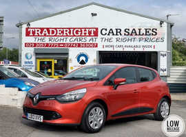 2013/13 Renault Clio 1.2 Expression finished in Flame Red Metallic.  41,651 miles