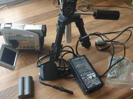 Canon mv300 mini dv camcorder