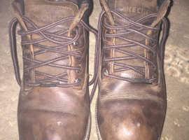 Sketchers men's boots size 9