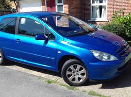 Peugeot 307, 2005 (05) Blue Hatchback, Manual Petrol, 123,500 miles LADY OWNER