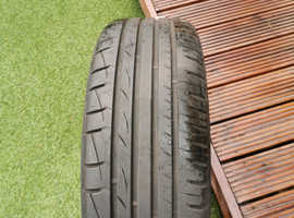 Car tyre and alloy