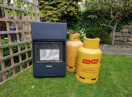 Calor gas heater with spare bottle