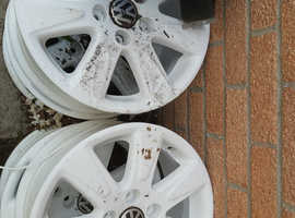 White Alloy Wheels for VW Beetle