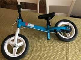 """Childs Btwin """"scoot"""" bike"""