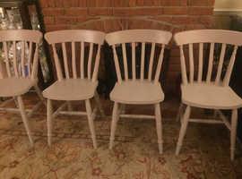 Pine waxed table x chairs