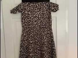 Age 15 animal print dress excellent condition