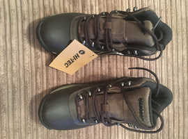 Hi-Tec Ladies Walking Boot UK4 (37) BNIB