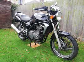 Kawasaki ER5 Black.