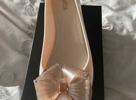 Brand new Melissa shoes size 40. (7)