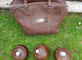Set of bowls and bag