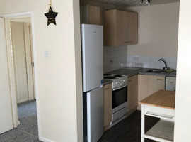 2 bed flat in Totton