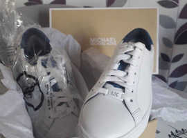 Genuine Michael kors White Trainers size 37..5 Brand New With Box.