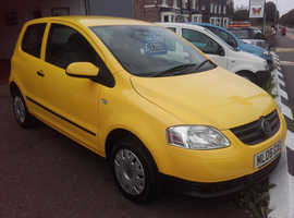 Volkswagen Fox, 2006 (06) Yellow Hatchback, Manual Petrol, 121,000 miles