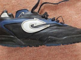 Child's Arrow Trainer Shoes Size 5/38