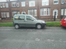 Peugeot Partner, 2004 (04) Green MPV, Manual Diesel, 132,000 miles