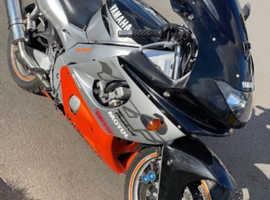 Yamaha yzf 600cc