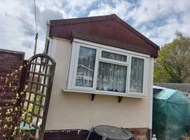2 Bedroom Park Home (residential) for sale with large extension near Tadley Hampshire
