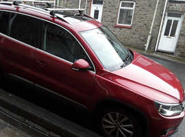 Volkswagen Tiguan, 2012 (12) Red Estate, Manual Diesel, 106,000 miles