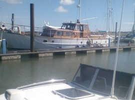 Gentleman's Motor yacht