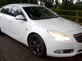 Vauxhall Insignia, 2009 (09) Sri Cdti  White Hatchback, Manual Diesel, 111,648 miles Black Sports Alloys
