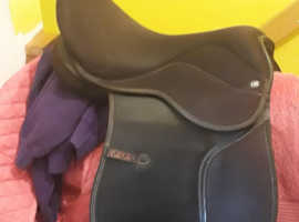 Quck sale needed 15 1/2 maxam second hand saddle