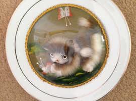 Fluffy kitten plate